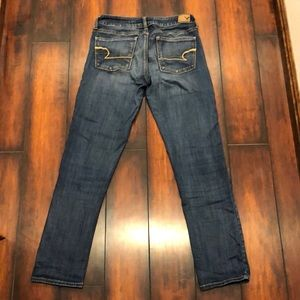 American Eagle Jeans shirt cut/ size 6